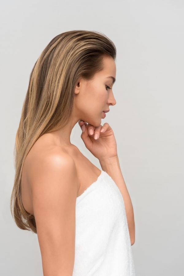 Seeking Models For A Cosmetics Brand