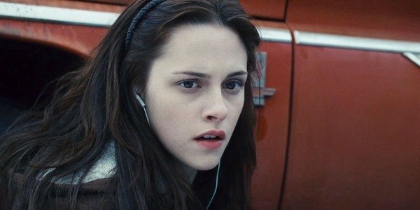 Twilight's Stephenie Meyer Responds To Critics Who Say That Bella Swan Is Not A Good Role Model