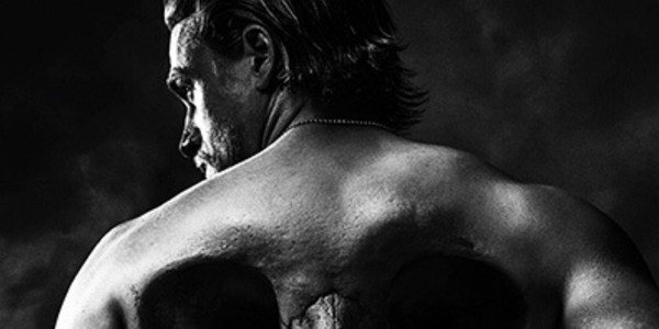 Why Charlie Hunnam Looks Way Less Jaxed In His Upcoming Boxing Movie