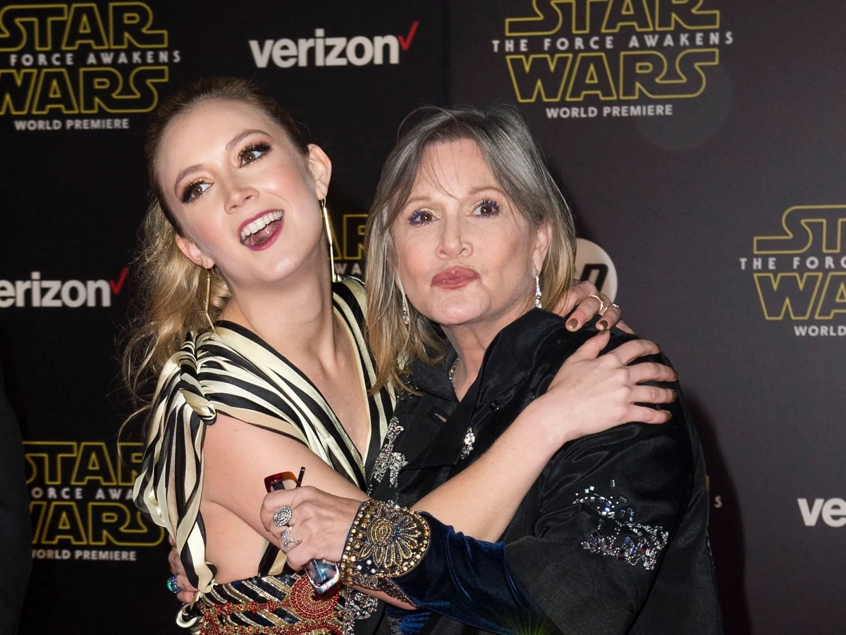 Billie Lourd  Talks About The Many Lessons She Learned From Carrie Fisher (Good And Bad) As She Starts Her Journey As A Parent